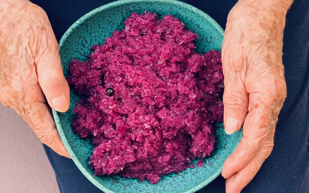 Oma's Spiced Red Cabbage